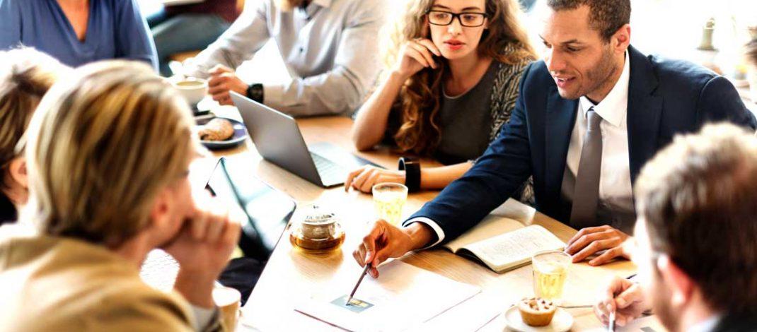 8 Cara Menjaga Hubungan Baik dengan Karyawan