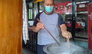 Pilot Jadi Pedagang Mi Ayam, Bertahan saat Pandemi